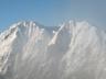 ガス湧く権現岳と旭岳