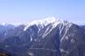左奥に塩見岳を覗かす仙丈ヶ岳