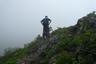 岩稜歩きに不慣れなQと見守るリーダーT