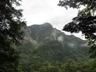 梓川のほとりから見える明神岳