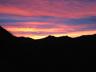 夜明け前の北岳シルエット