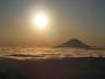 雲海に浮かぶ富士