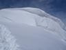 西稜直下の巨大雪庇