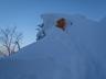 雪洞入口に掛けたツェルト