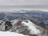 阿能川岳東尾根の向こうに足尾山塊