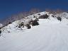 雪の割れ目にルート取りを苦労した小蓮華尾根中間部